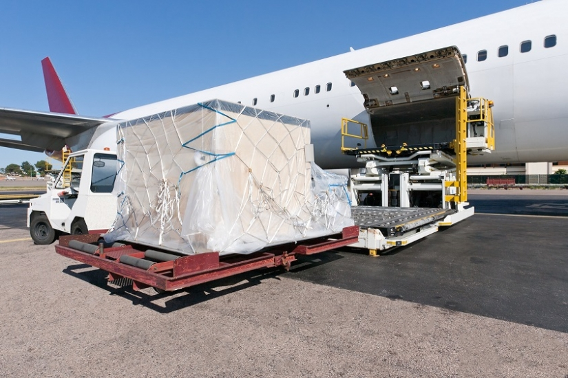 Cold chain shipping container, transporting pharmaceuticals by air | Sofrigam